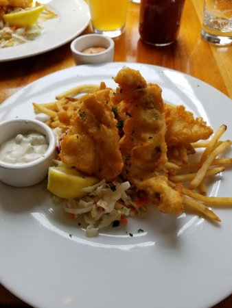 Ona Restaurant and Lounge: Fish and chips
