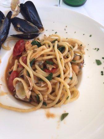 Giardino Monsignore: Seafood pasta