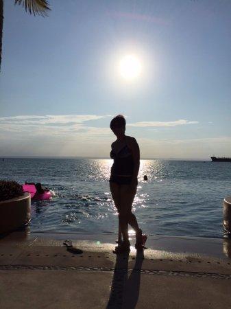 CostaBaja Resort & Spa: Endless swimming pool
