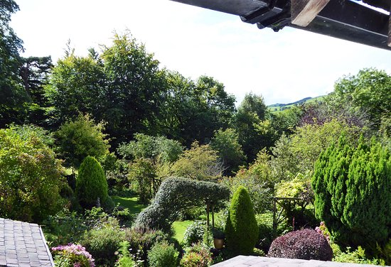 Bryn Tirion Cottage: Garden View from Apartment