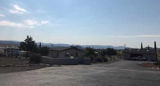 Cordes Junction Motel & RV Park: Beautiful view!