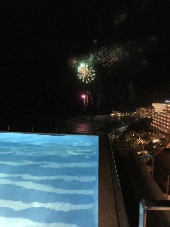 Kafuu Resort Fuchaku Condo Hotel: アネックス棟インフィニティプール