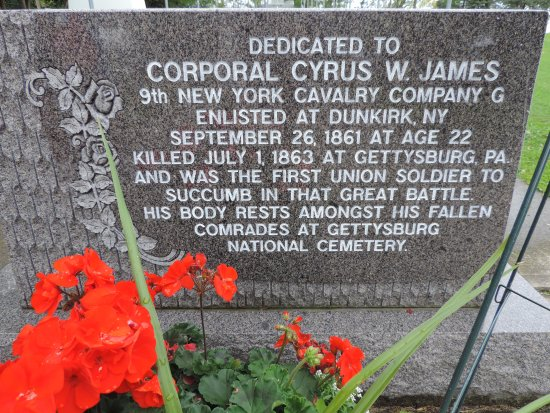 Dunkirk, NY: Memorial