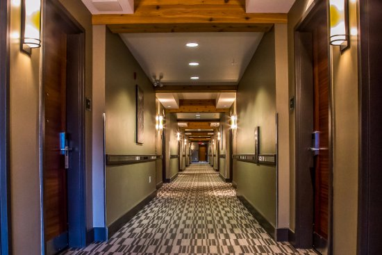 Best Western Plus Revelstoke: Corridor