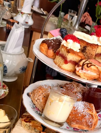 Great Dunmow, UK: Pastries, scones, sandwiches, and quiche