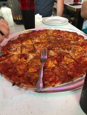 Vito And Nick 39 S Pizzeria Chicago Menu Prices Restaurant Reviews Tripadvisor