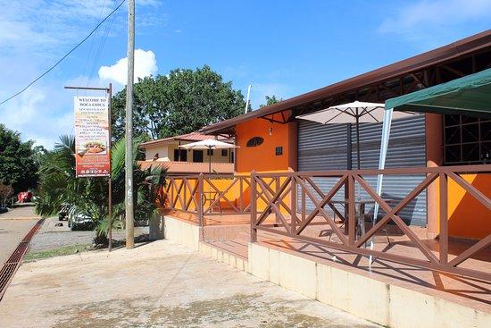 Boca Chica, بنما: Molas Bar !