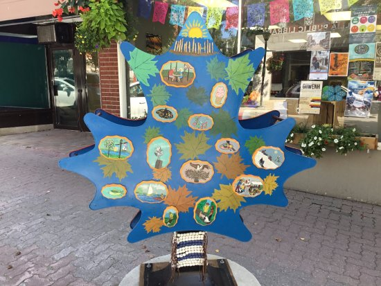 Orillia, Καναδάς: Canada 150 - Streets Alive 2017 Maple Masterpieces