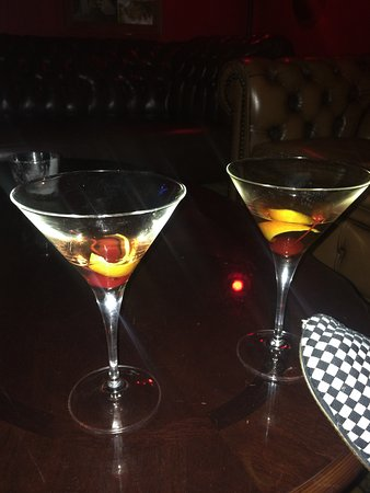 Marrickville, Australia: Two of the best Manhattan Cocktails, made by Louis!