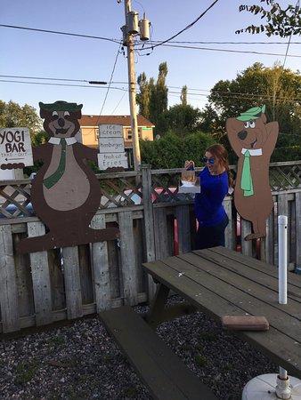 Bonfield, Canada : Enjoying the cheesiest best boo boo poutine!