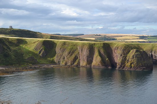 Stonehaven, UK: View of sea cliffs from the castle