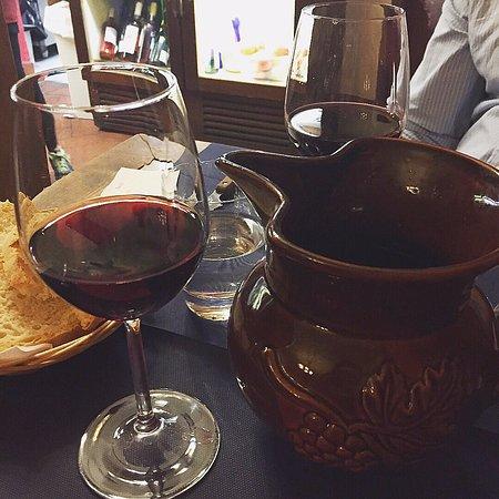 Trattoria Nella: house wine by the pitcher please!