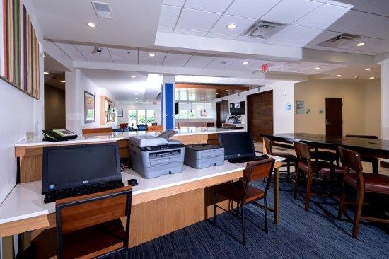 LaPorte, IN: Business Center