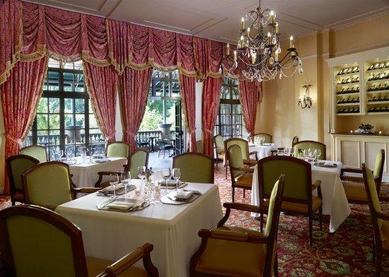 Omni Shoreham Hotel: Robert's Restaurant