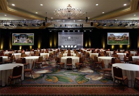 Omni Shoreham Hotel: Regency Ballroom Round Table Setup