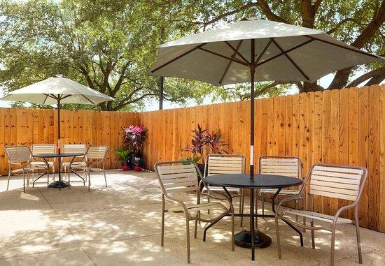 Texas City, TX: Outdoor Patio