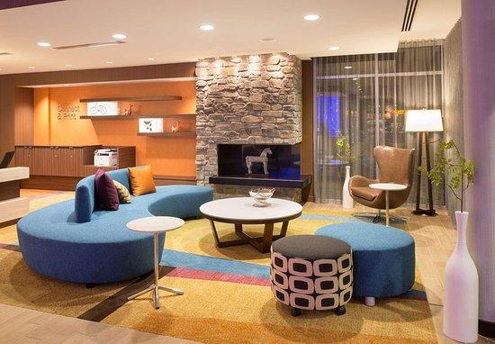 Burlington, Kolorado: Lobby Sitting Area