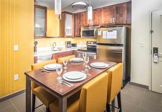 Largo, MD: Two-Bedroom Suite - Kitchen