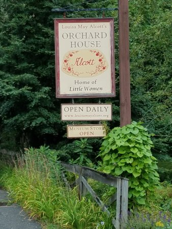 Concord, MA: Sign by the road side.