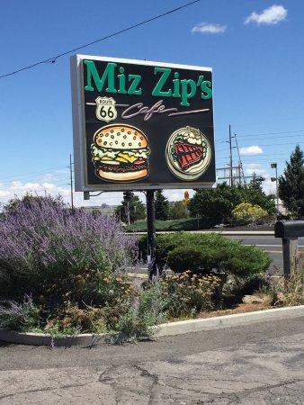 Miz Zip's: photo0.jpg