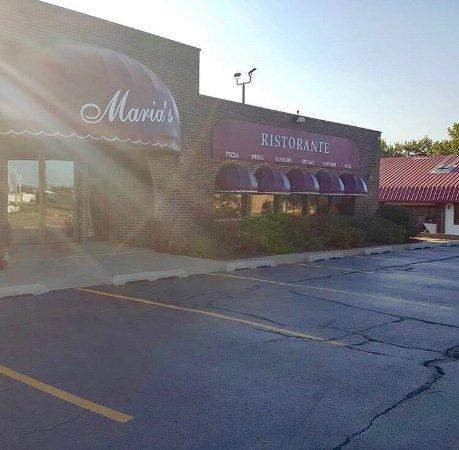 Morris, IL: Maria's