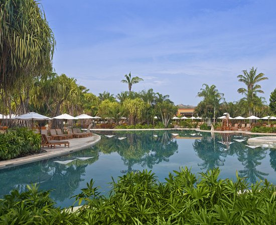 The Westin Golf Resort & Spa, Playa Conchal - An All-Inclusive Resort: Our golf resort features a relaxing Main lagoon-style pool
