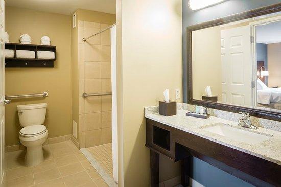 Lewis Center, Огайо: Kpsar Bathroom