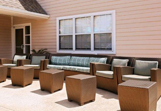 Stafford, TX: Outdoor Patio