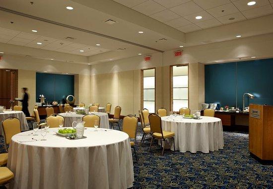 Montreal Airport Marriott In-Terminal Hotel : Topaze Meeting Room