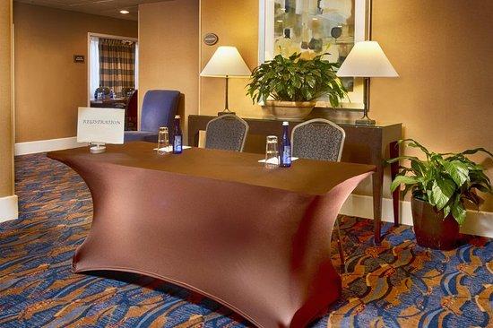 DoubleTree by Hilton Hotel Norwalk: Ballroom
