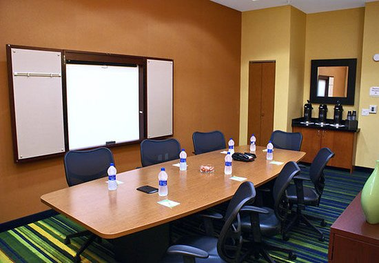 Fairfield Inn & Suites Selma Kingsburg: Azalea Meeting Room