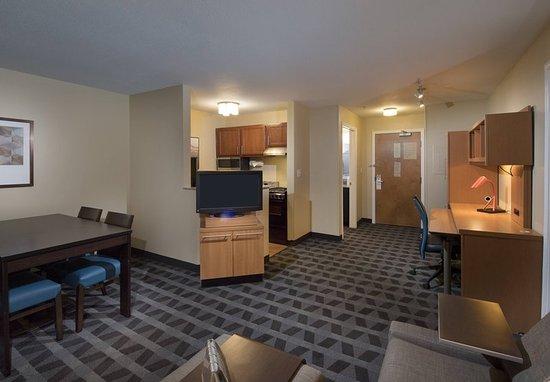 Alpharetta, GA: One-Bedroom Suite