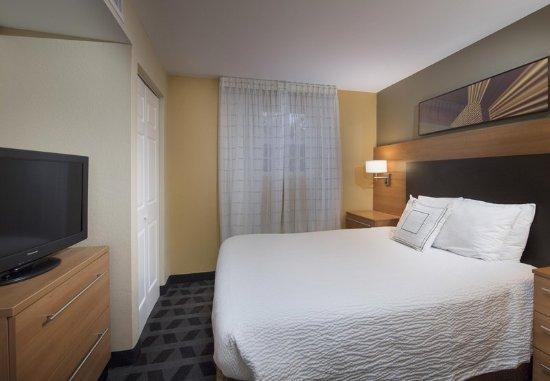 Alpharetta, GA: One-Bedroom Suite - Bedroom
