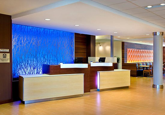Watertown, NY: Front Desk