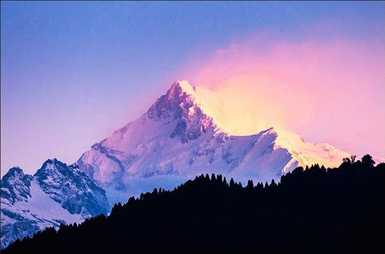6 Day Darjeeling Gangtok tour with...