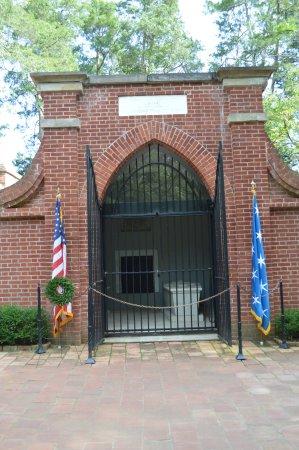 Mount Vernon, Wirginia: new vault