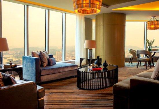 Huizhou, China: Club Suite