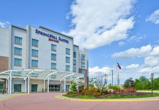 Fairfax, VA: Entrance