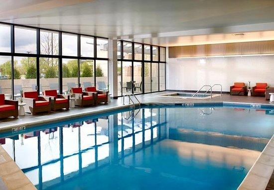Naperville, IL: Indoor Pool