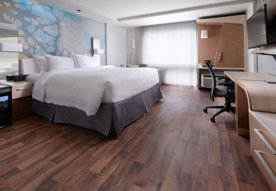 The Colony, TX: Allergy-Friendly PURE® King Guest Room