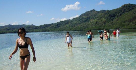 El Nido Resorts Miniloc Island : This is walking on a sandbar in El Nido.
