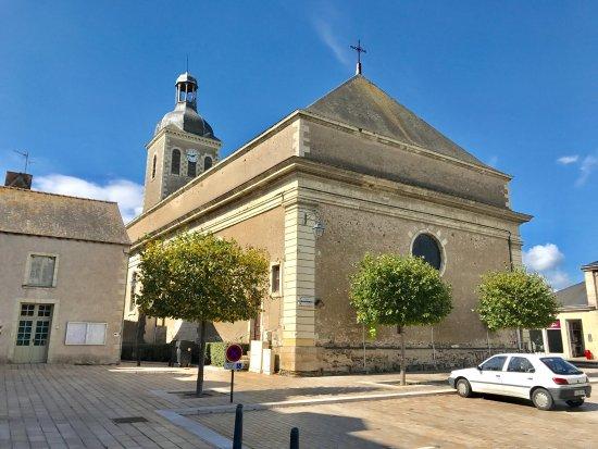 Saint-Georges-sur-Loire, Francia: Le Relais d'Anjou (chef étoilé;hogere prijs), juist naast Rest. La tête noire. Deze laatste gaf