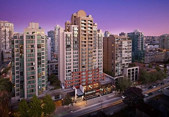 Residence Inn Vancouver Downtown: Exterior