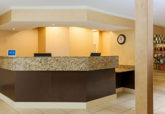Richmond Heights, MO: Front Desk