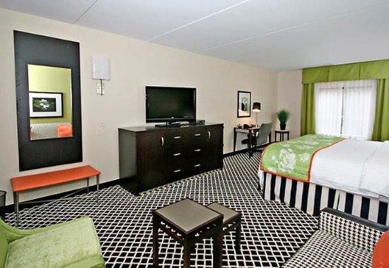 Elkin, NC: King Guest Room