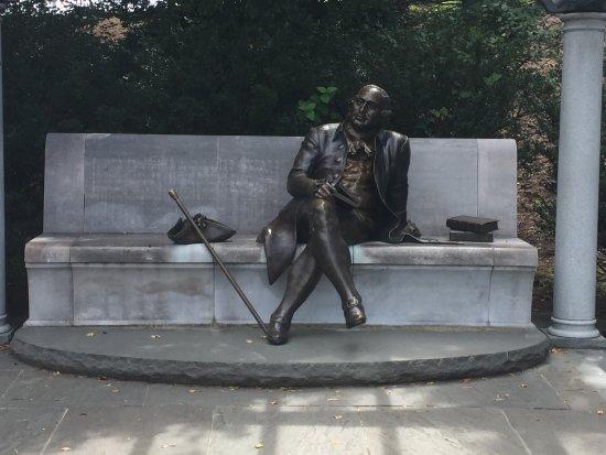 George Mason Memorial : ...