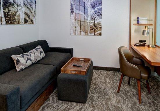 Saginaw, MI: Suite Living Area & Work Desk