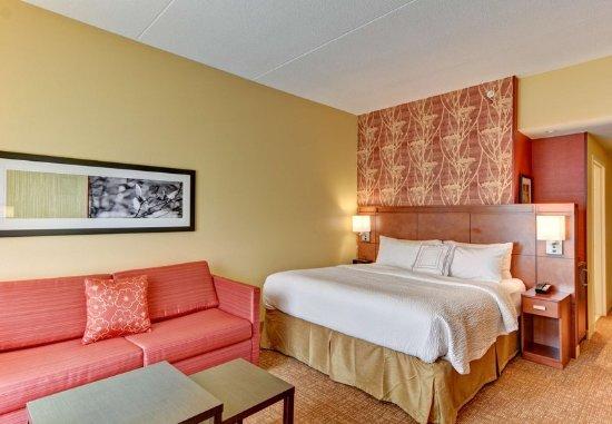 Bridgeport, WV: King Guest Room