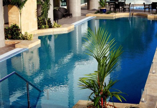 Marriott Executive Apartments Panama City, Finisterre: Outdoor Pool