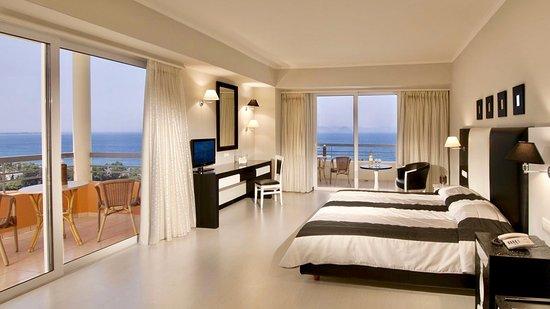 Kipriotis Hotels: Superior sea view suite